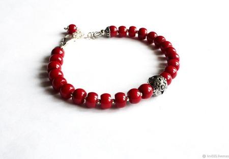 Браслет серебряный с красным кораллом ручной работы на заказ