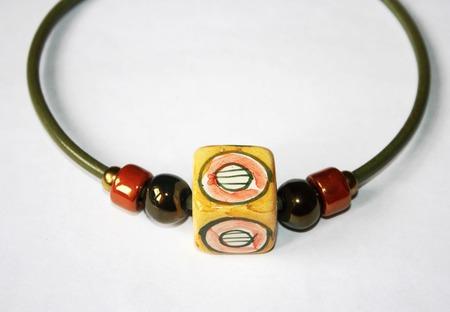 Колье чокер на кожаном шнуре, керамика, желтый, оранжевый, салатовый ручной работы на заказ