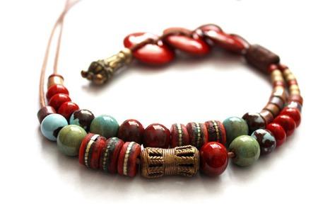 """Колье длинное""""Мадагаскар"""" на кожаном шнуре с керамикой ручной работы на заказ"""
