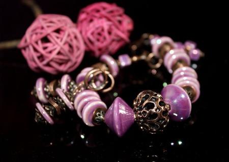 """Комплект браслет и серьги """"Сиреневый туман"""" из керамики ручной работы на заказ"""