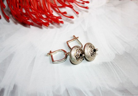 Серьги серебряные с черной шпинелью ручной работы на заказ