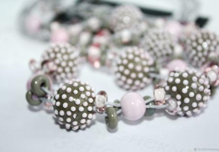 Колье на вощеных шнурах серо-розовое ручной работы на заказ