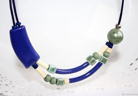 """Колье на кожаном шнуре с керамикой """"Асимметрия-2"""" ручной работы на заказ"""
