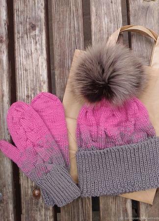 Комплект шапка и варежки ручной работы на заказ