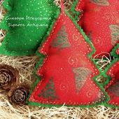 Новогодние игрушки из ткани и фетра Елки Зеленые