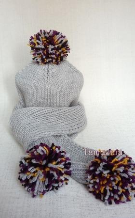 """Комплект шапочка и шарф с помпонами """"Нескучный серый"""" ручной работы на заказ"""