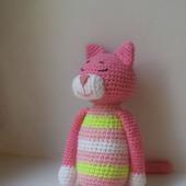 Вязаный котик Аминеко, розовый