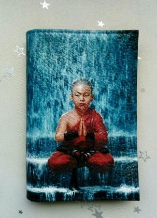 """Обложка на паспорт """"Маленький будда"""" ручной работы на заказ"""