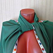 """Зеленый палантин ручной работы из ткани """"Кленовый лист"""""""