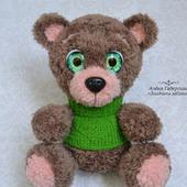 Медвежонок Ананд - игрушка, вязанная крючком