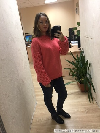 Вязаный свитер оверсайз из толстой пряжи ручной вязки ручной работы на заказ