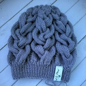Вязаная шапка от Knit by Heart в Москве