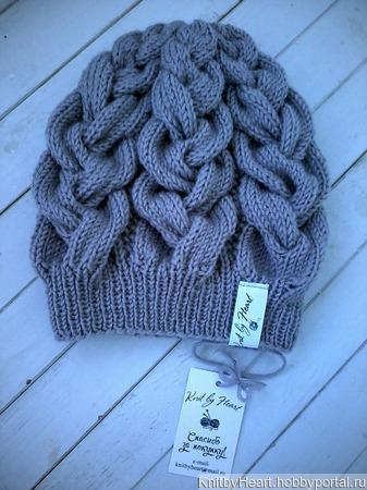 Вязаная шапка от Knit by Heart в Москве ручной работы на заказ