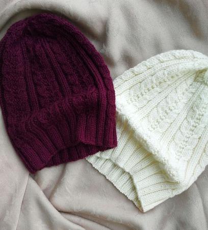 Вязаные шапочки на осень и весну ручной работы на заказ