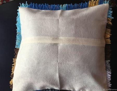 Наволочка ковровая техника Собачка ручной работы на заказ