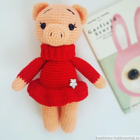 Вязаная свинка, символ нового года ручной работы на заказ