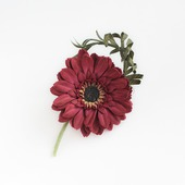 Брошь цветок бордовая гербера