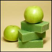 """Натуральное мыло ручной работы """"Яблоко зеленое"""""""