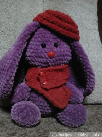 Зайчик плюшевый в шарфике и берете ручной работы на заказ