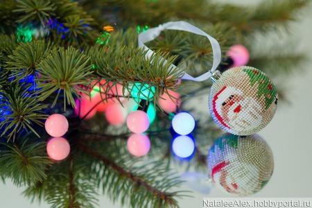"""Мастер-класс новогодний шар из бисера без крючка """"Дед мороз и елка"""" ручной работы на заказ"""