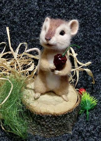 Войлочная интерьерная фигурка Мыша ручной работы на заказ