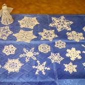 Украшения на ёлку - вязаные снежинки