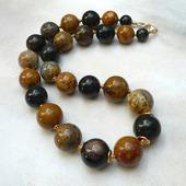 Ожерелье из Окаменелого дерева