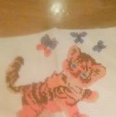 """Картина вышитая крестом """"Тигрёнок с бабочками"""""""