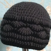 Вязаная женская шапка с ракушками