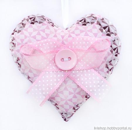"""Интерьерная подвеска """"Текстильное сердце розовое"""" ручной работы на заказ"""