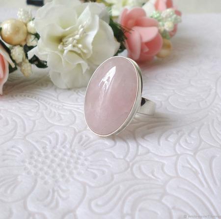 Серебряное кольцо с розовым кварцем ручной работы на заказ
