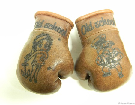 Перчатки Боксерские с гравировкой, сувенир, логотип,  подарок мужчине ручной работы на заказ