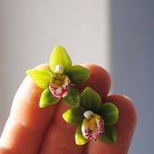 """Серьги-пуссеты """"Зелёная орхидея"""""""