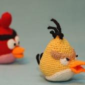 Птички и свинка из Angry Birds. Вязаные игрушки.