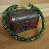 Жгут из чешского бисера *Зеленый змей*
