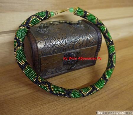 Жгут из чешского бисера *Зеленый змей* ручной работы на заказ
