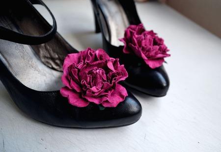 Клипсы для туфель натуральная кожа цвета фуксии ручной работы на заказ