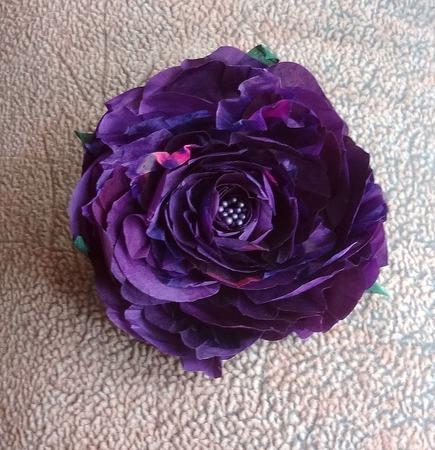 Брошь заколка Цветок Розы натуральный шелк, крупная брошь ручной работы на заказ