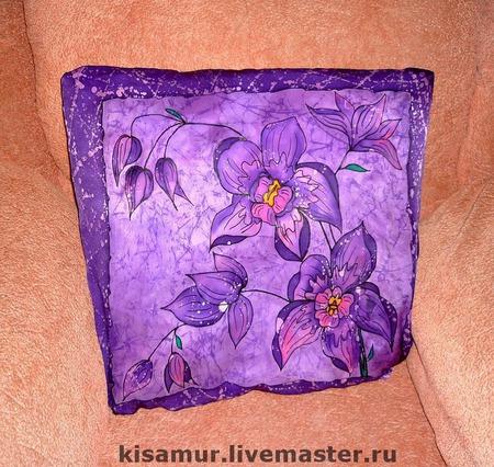Наволочки шёлковые сиренево фиолетовая с росписью на диванную подушку ручной работы на заказ