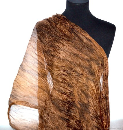 Коричнево карамельно охристый женский шелковый шарф ручной работы на заказ