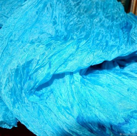 Небесно голубой широкий длинный женский шёлковый шарф ручной работы на заказ
