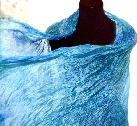 Голубой с синим  шелковый шарф палантин ручной работы на заказ