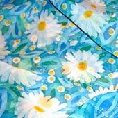 Шелковый платок батик Ромашковый на натуральном шелке шиф