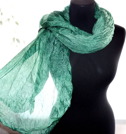 Шарф серо изумрудный широкий длинный женский шёлковый шарф ручной работы на заказ