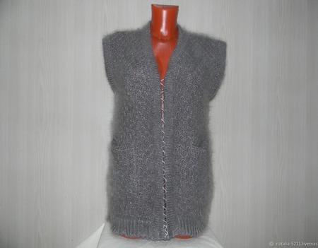 Жилет-кардиган с карманами ручной работы на заказ