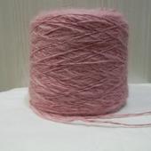 Розовая пряжа из козьего пуха