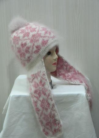 Бело-розовая шапочка с помпоном и ушками ручной работы на заказ