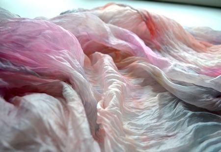 Женский шелковый шарф палантин розово персиковый с серым бежевым ручной работы на заказ