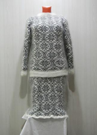 Пуховый женский костюм ручной работы на заказ