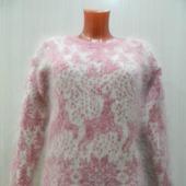 """Бело-розовый джемпер с оленями,, Зимняя сказка"""""""